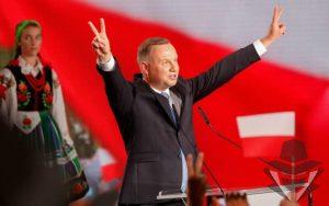 Nuolat Fake News žiniasklaidos puolamas Andrzej Duda perrinktas Lenkijos prezidentu