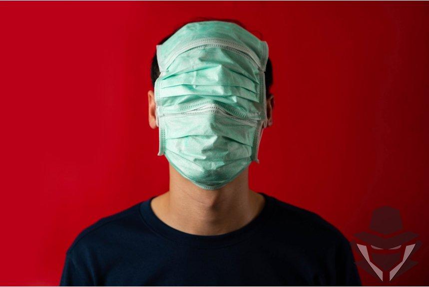 Akli dėl Kaukės