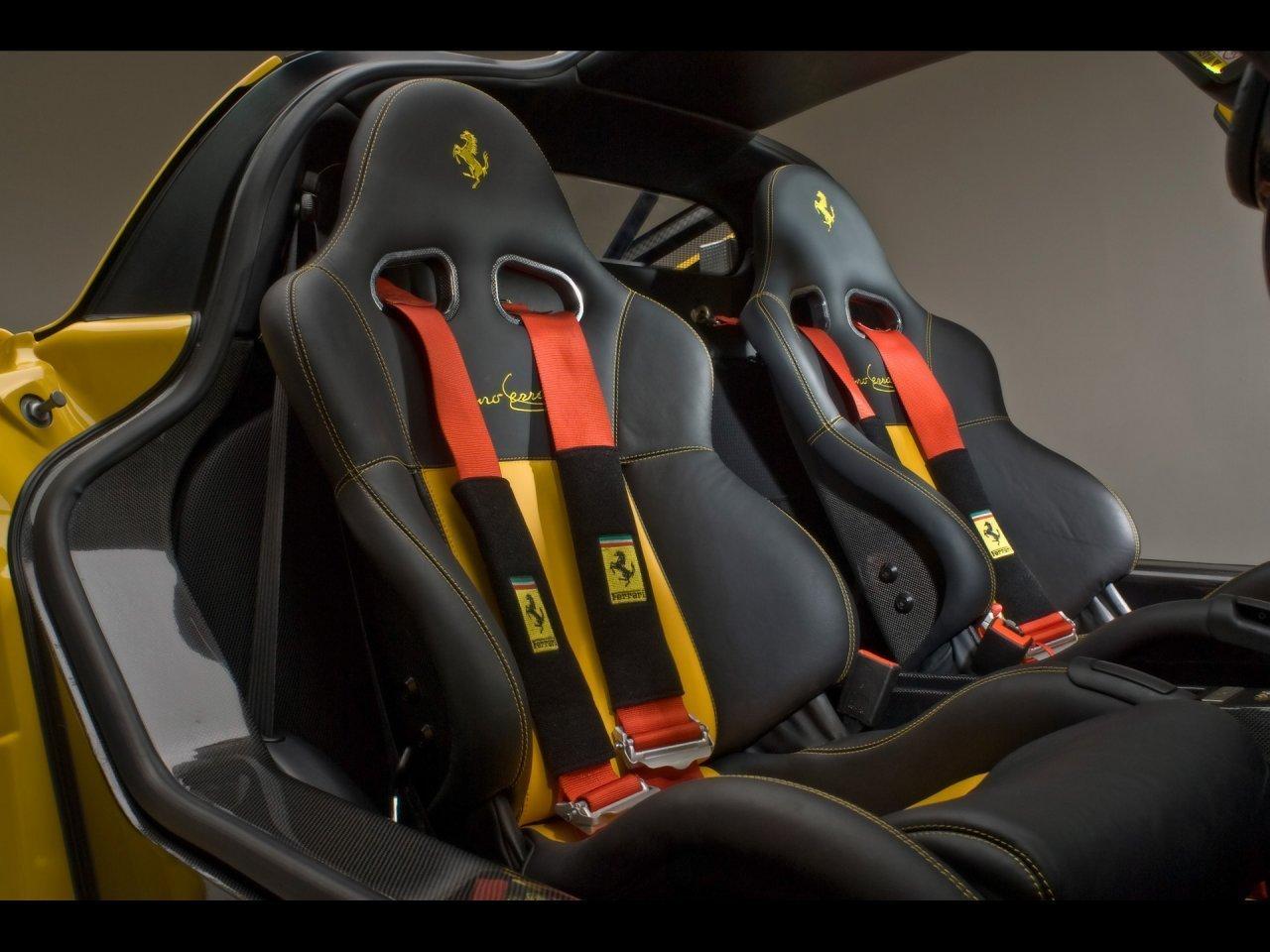 Ferrari saugos diržai